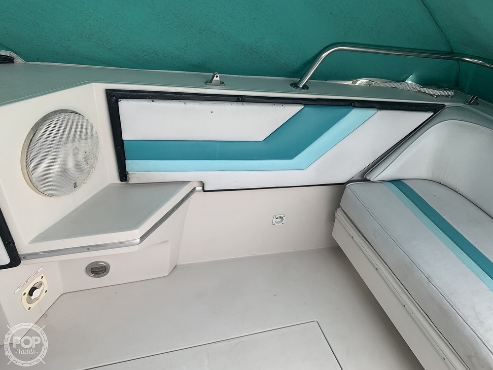 1989 Wellcraft boat for sale, model of the boat is 3200 St. Tropez & Image # 18 of 40