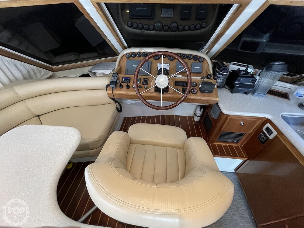 2006 Navigator boat for sale, model of the boat is 4200 Pilot House & Image # 9 of 40