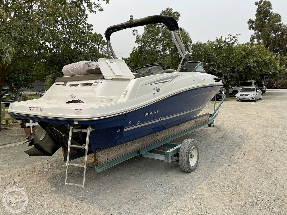 2017 Bayliner boat for sale, model of the boat is VR5 & Image # 8 of 40