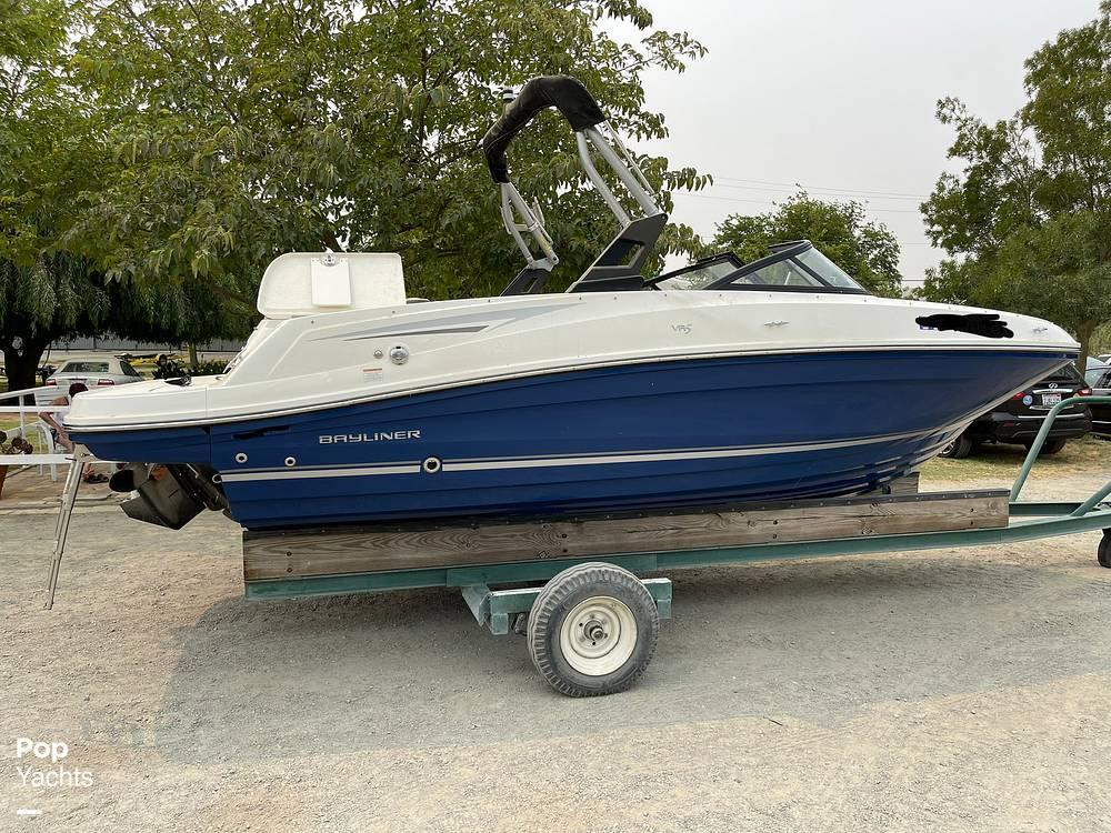 2017 Bayliner boat for sale, model of the boat is VR5 & Image # 9 of 40