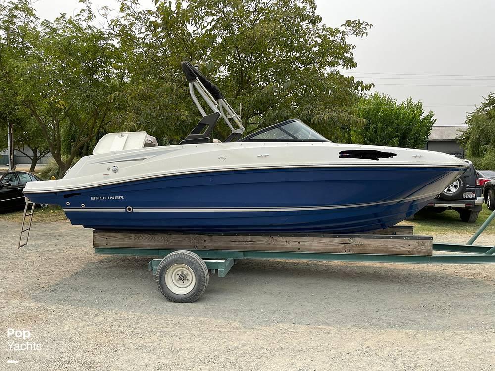 2017 Bayliner boat for sale, model of the boat is VR5 & Image # 11 of 40