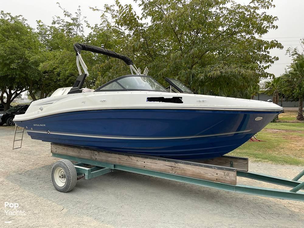 2017 Bayliner boat for sale, model of the boat is VR5 & Image # 12 of 40