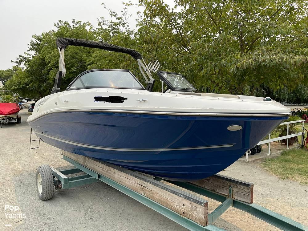 2017 Bayliner boat for sale, model of the boat is VR5 & Image # 15 of 40