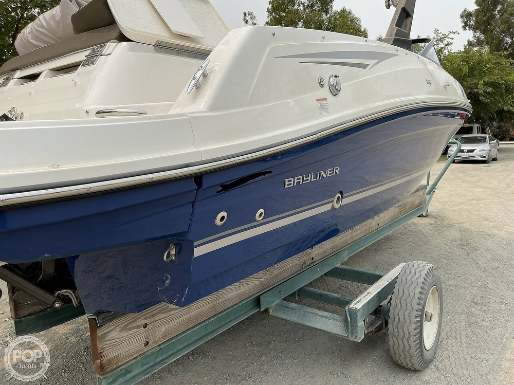 2017 Bayliner boat for sale, model of the boat is VR5 & Image # 27 of 40