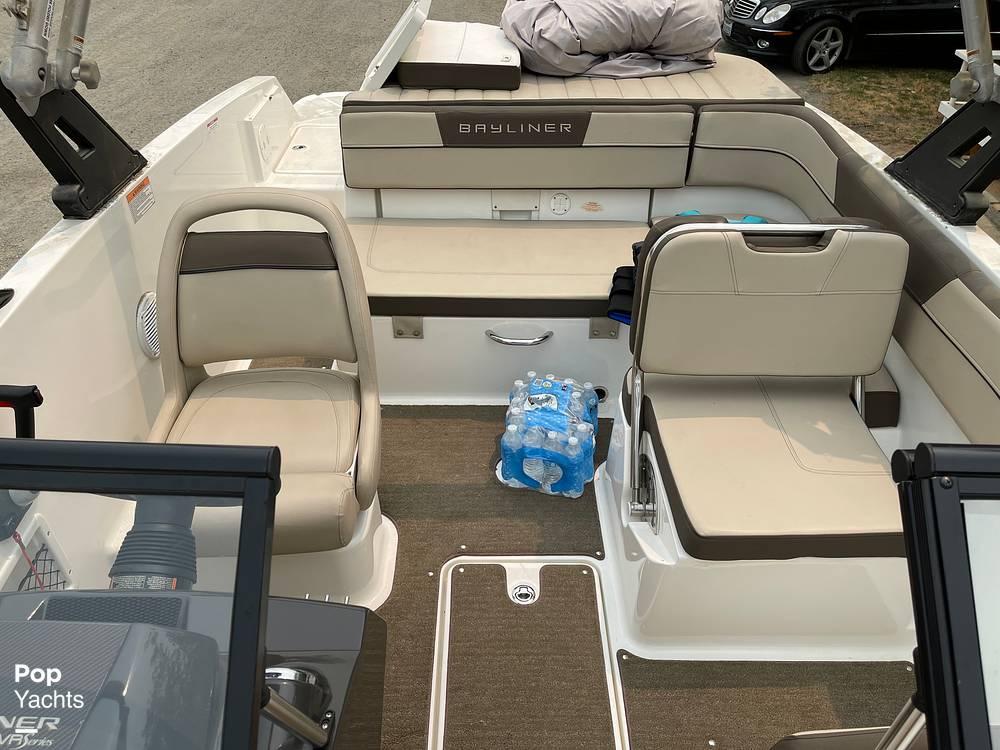 2017 Bayliner boat for sale, model of the boat is VR5 & Image # 38 of 40