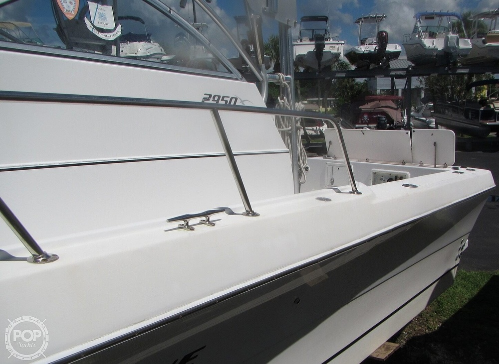 1999 Pro-Line boat for sale, model of the boat is 2950 Walkaround & Image # 17 of 40
