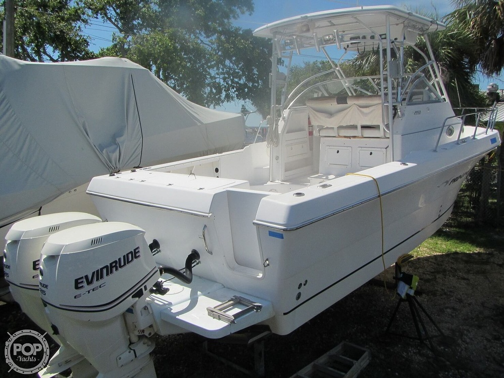 1999 Pro-Line boat for sale, model of the boat is 2950 Walkaround & Image # 19 of 40