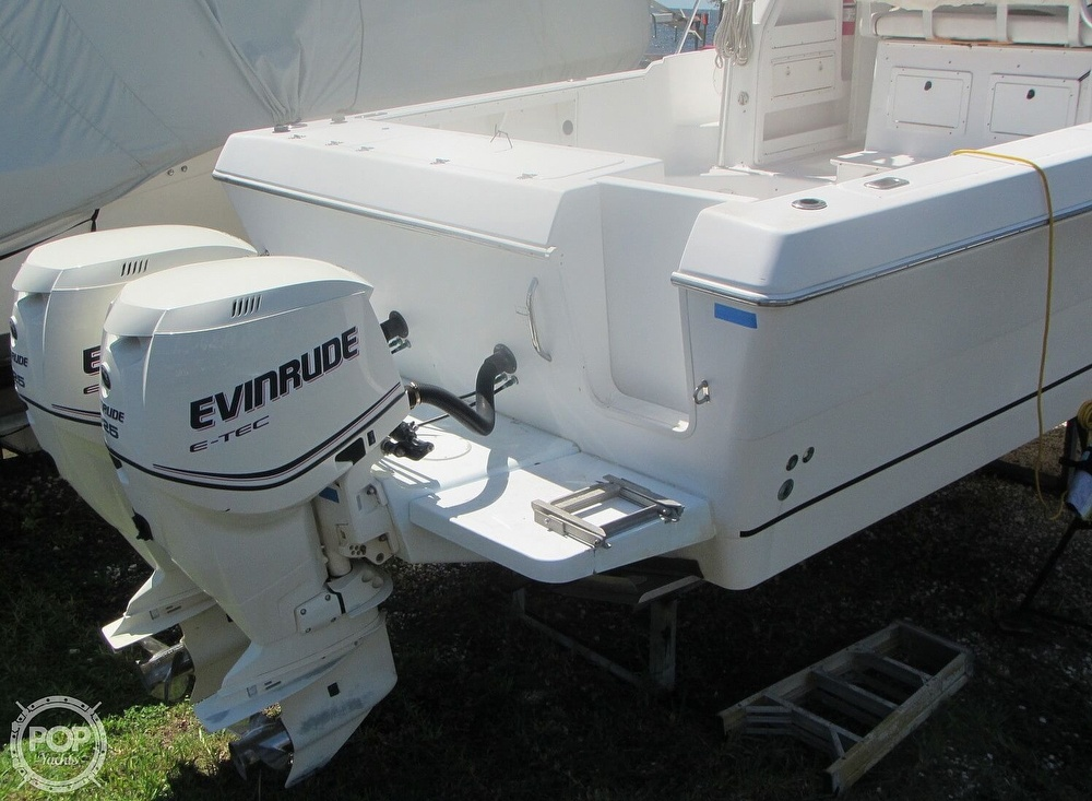 1999 Pro-Line boat for sale, model of the boat is 2950 Walkaround & Image # 20 of 40