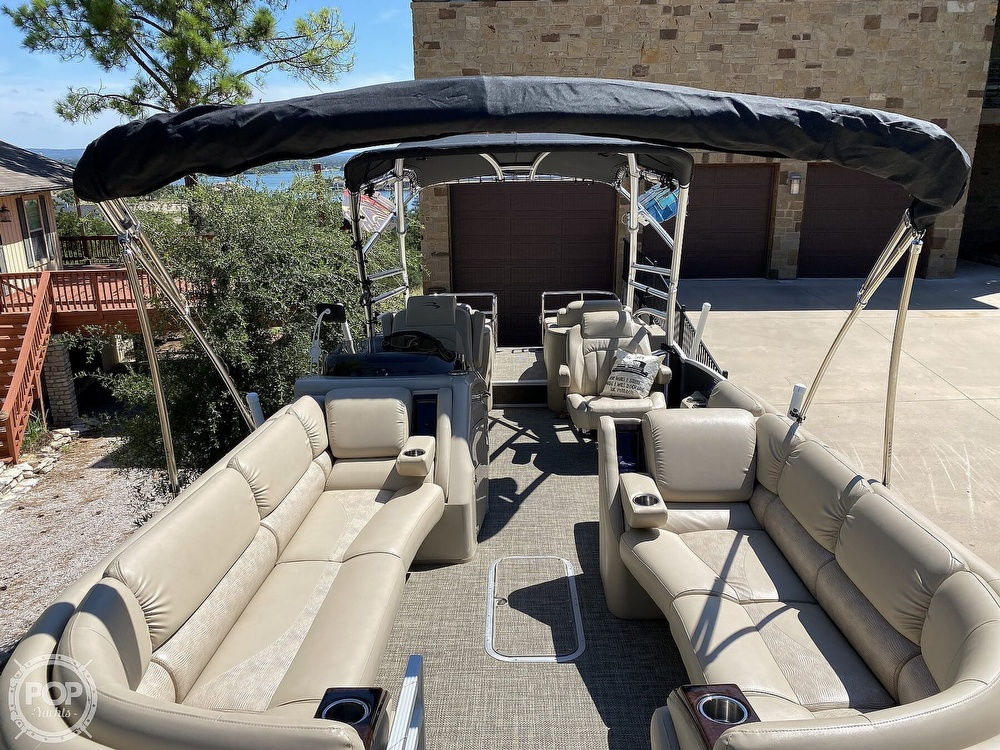 2016 Bennington boat for sale, model of the boat is 2875 QCW & Image # 9 of 40