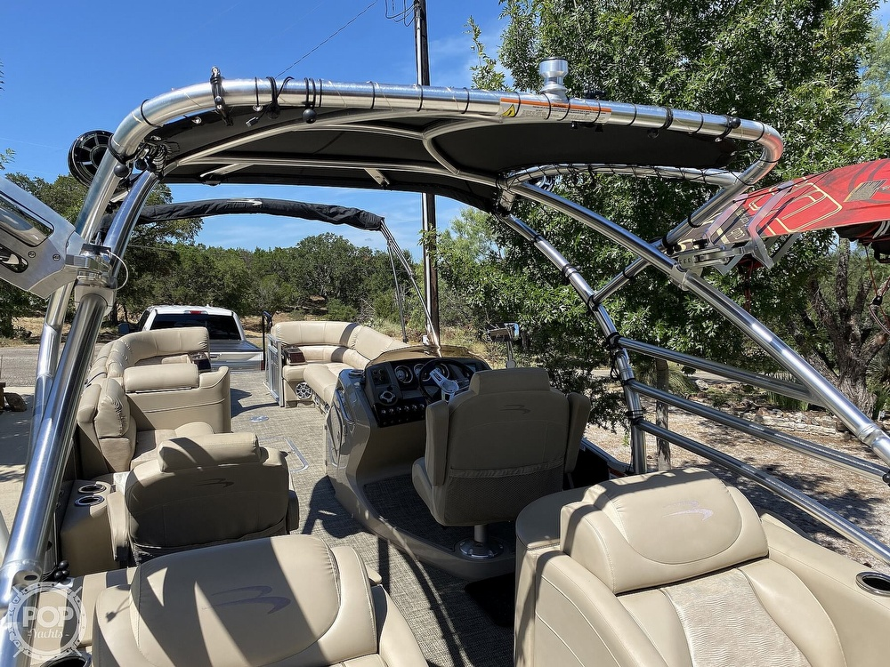 2016 Bennington boat for sale, model of the boat is 2875 QCW & Image # 7 of 40