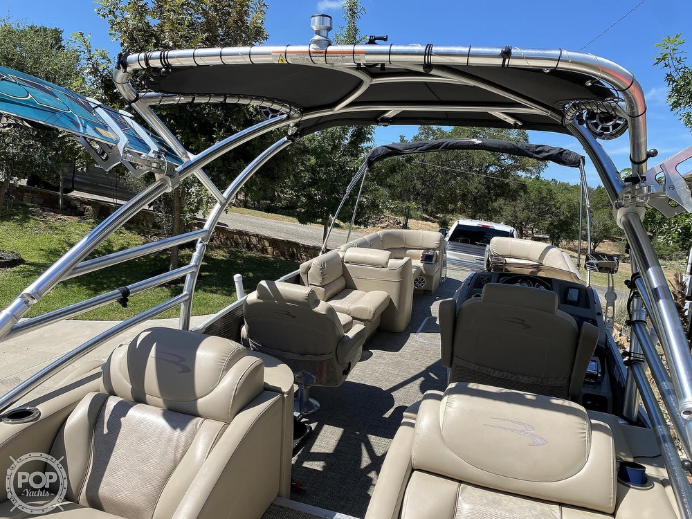 2016 Bennington boat for sale, model of the boat is 2875 QCW & Image # 8 of 40