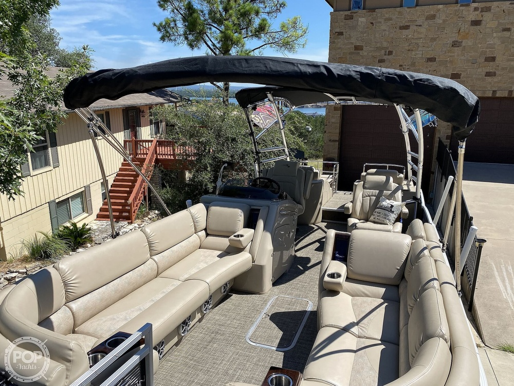 2016 Bennington boat for sale, model of the boat is 2875 QCW & Image # 10 of 40