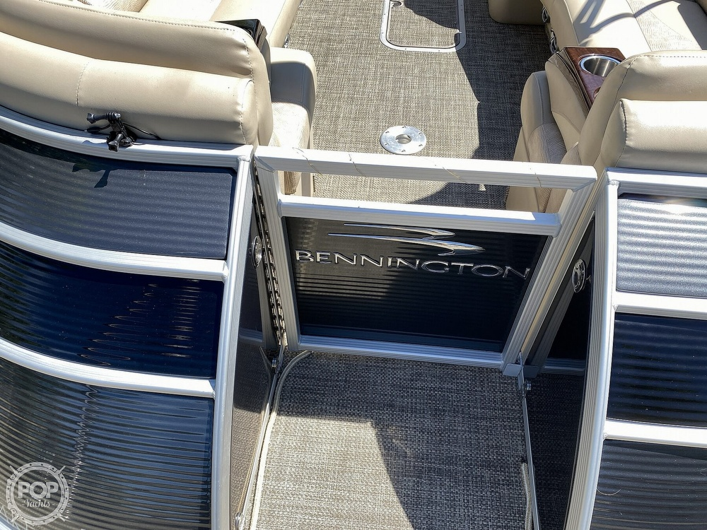 2016 Bennington boat for sale, model of the boat is 2875 QCW & Image # 29 of 40