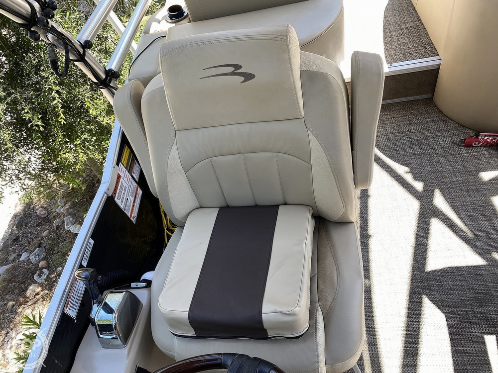 2016 Bennington boat for sale, model of the boat is 2875 QCW & Image # 32 of 40