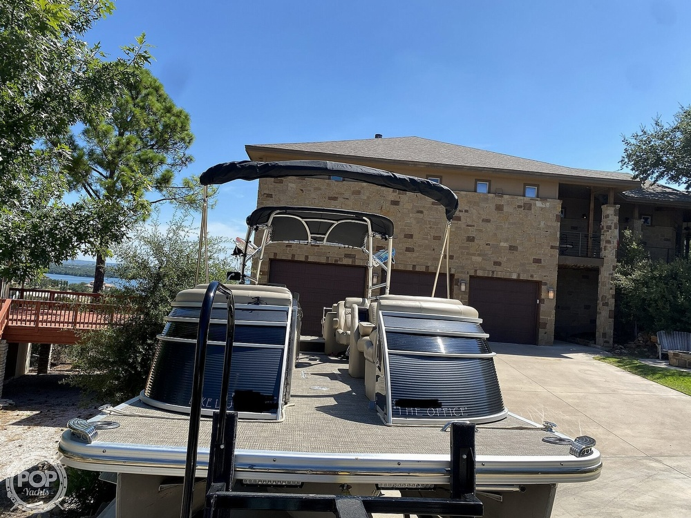 2016 Bennington boat for sale, model of the boat is 2875 QCW & Image # 6 of 40