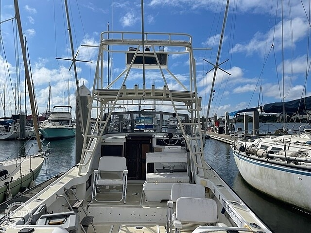1987 Luhrs boat for sale, model of the boat is 30' Alura & Image # 9 of 40