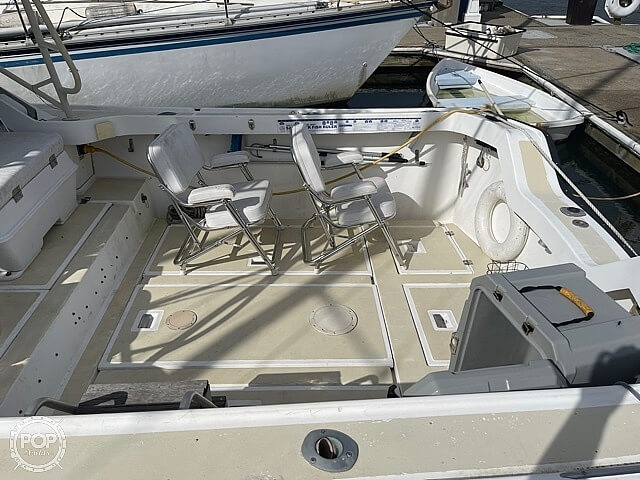1987 Luhrs boat for sale, model of the boat is 30' Alura & Image # 15 of 40