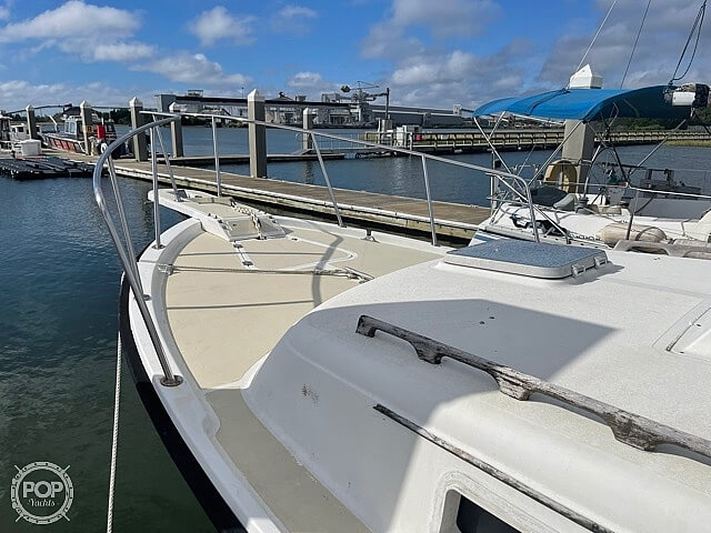 1987 Luhrs boat for sale, model of the boat is 30' Alura & Image # 18 of 40
