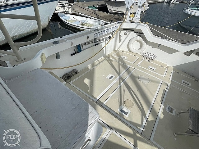1987 Luhrs boat for sale, model of the boat is 30' Alura & Image # 23 of 40