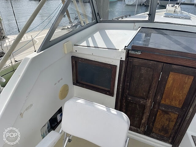 1987 Luhrs boat for sale, model of the boat is 30' Alura & Image # 36 of 40