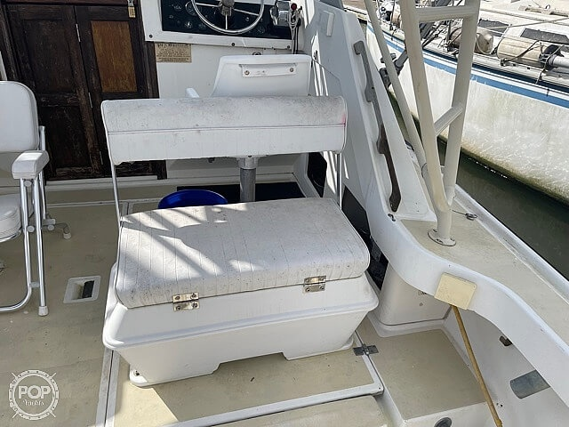 1987 Luhrs boat for sale, model of the boat is 30' Alura & Image # 38 of 40