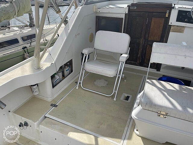 1987 Luhrs boat for sale, model of the boat is 30' Alura & Image # 39 of 40