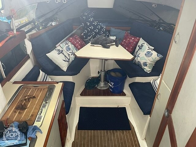 1987 Luhrs boat for sale, model of the boat is 30' Alura & Image # 2 of 40