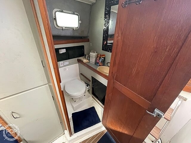 1987 Luhrs boat for sale, model of the boat is 30' Alura & Image # 3 of 40
