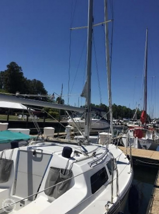 2005 Catalina Yachts boat for sale, model of the boat is 270SD & Image # 2 of 37