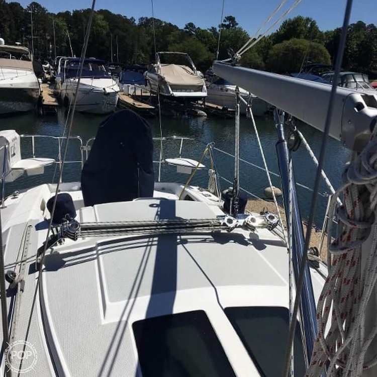 2005 Catalina Yachts boat for sale, model of the boat is 270SD & Image # 6 of 37