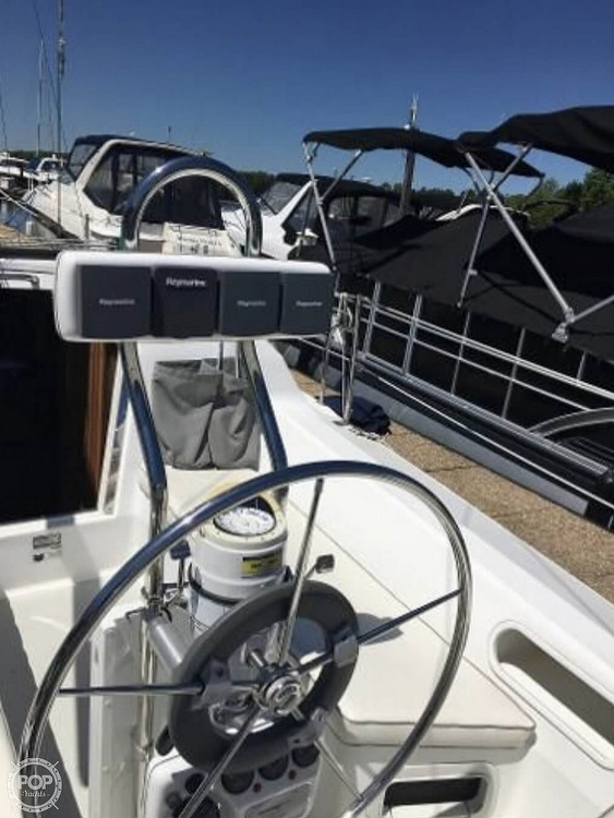 2005 Catalina Yachts boat for sale, model of the boat is 270SD & Image # 8 of 37