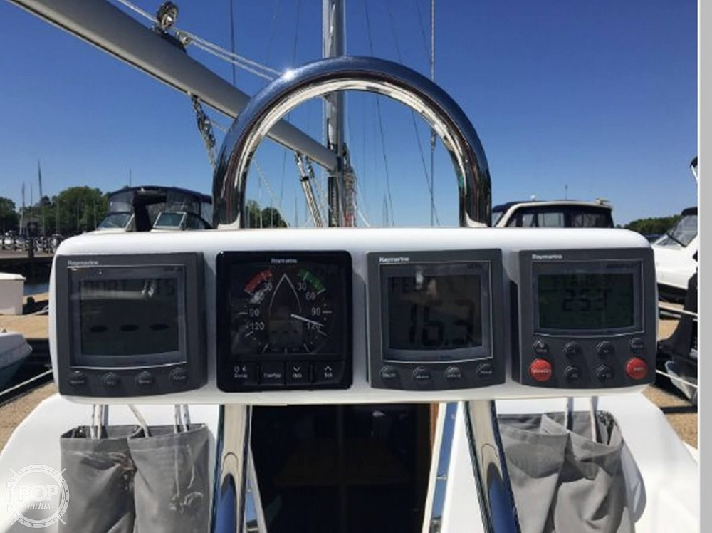 2005 Catalina Yachts boat for sale, model of the boat is 270SD & Image # 17 of 37