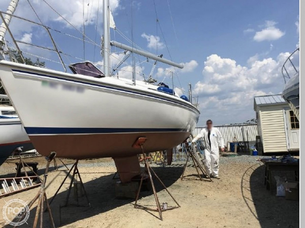 2005 Catalina Yachts boat for sale, model of the boat is 270SD & Image # 13 of 37