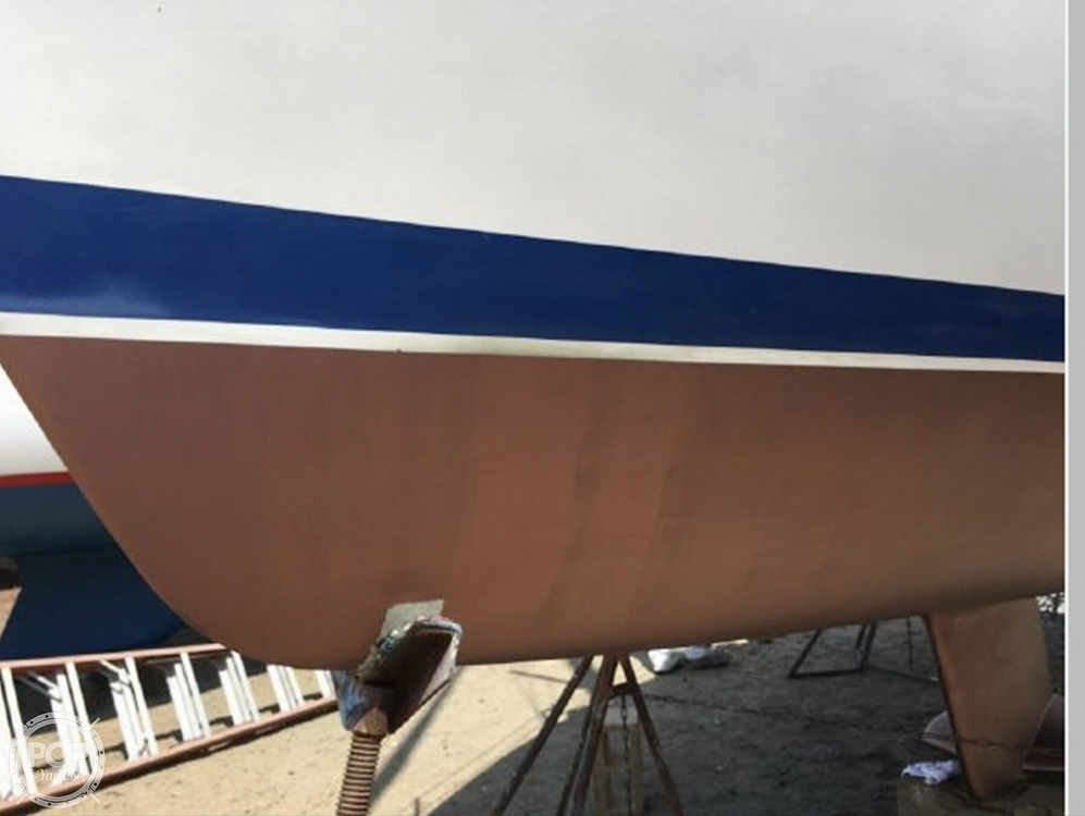 2005 Catalina Yachts boat for sale, model of the boat is 270SD & Image # 27 of 37