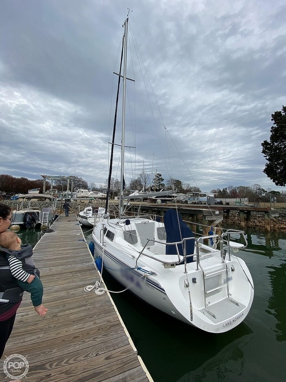 2005 Catalina Yachts boat for sale, model of the boat is 270SD & Image # 33 of 37