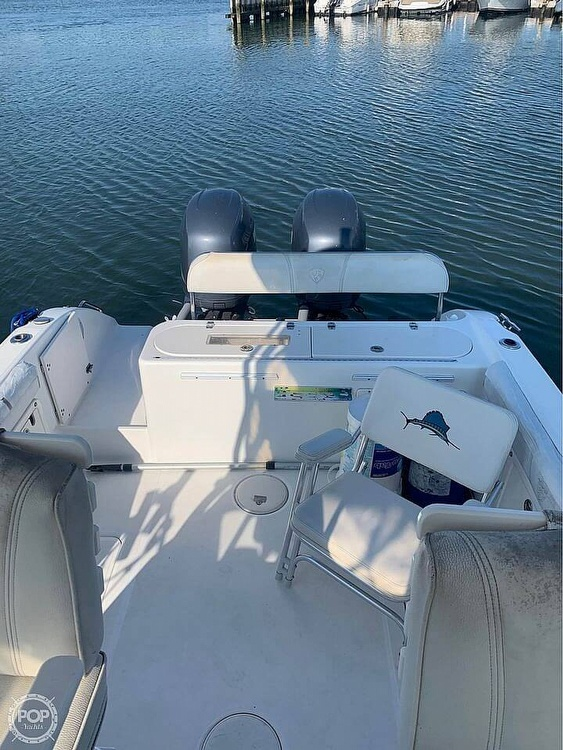 2005 Century boat for sale, model of the boat is 2600 Walkaround & Image # 5 of 40
