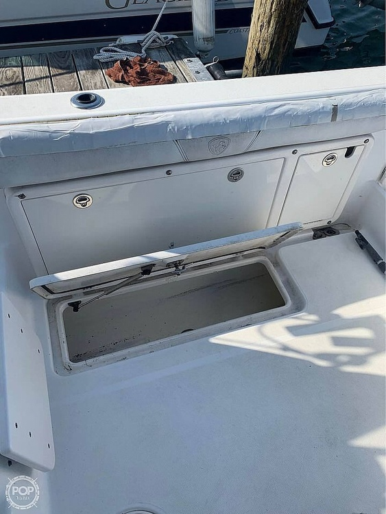 2005 Century boat for sale, model of the boat is 2600 Walkaround & Image # 6 of 40