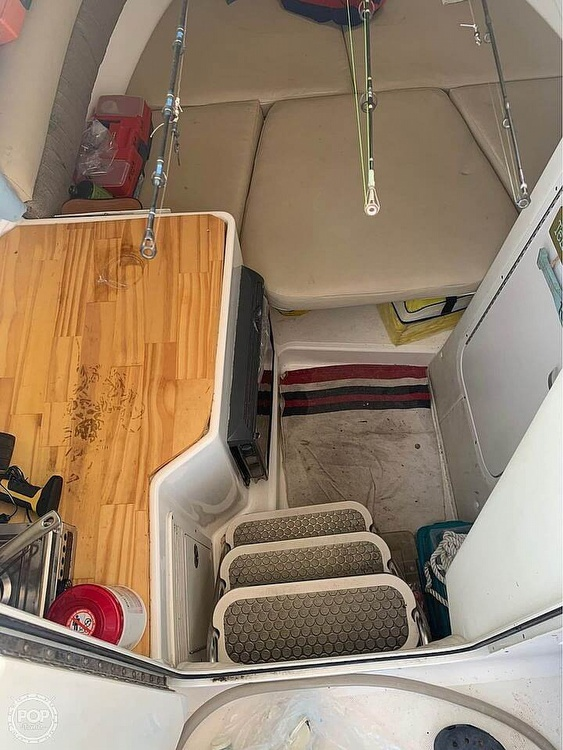 2005 Century boat for sale, model of the boat is 2600 Walkaround & Image # 13 of 40