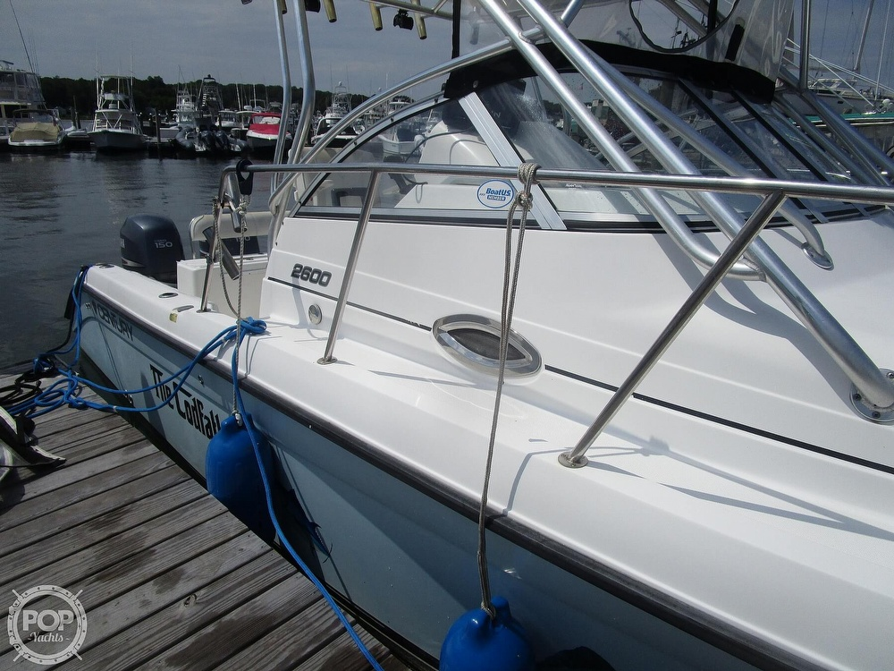 2005 Century boat for sale, model of the boat is 2600 Walkaround & Image # 17 of 40
