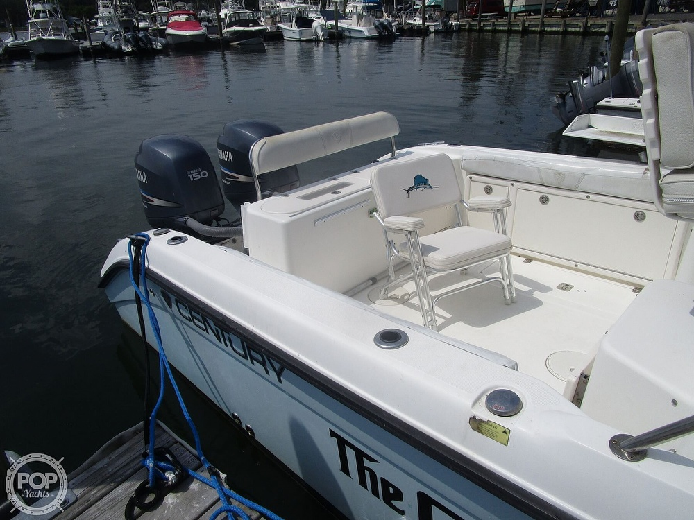 2005 Century boat for sale, model of the boat is 2600 Walkaround & Image # 20 of 40