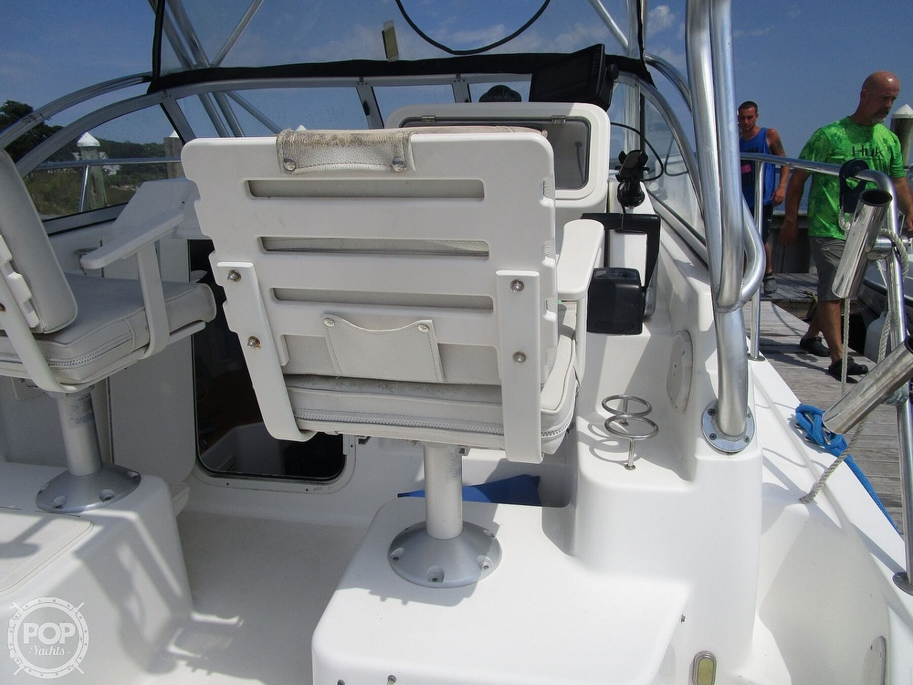 2005 Century boat for sale, model of the boat is 2600 Walkaround & Image # 25 of 40