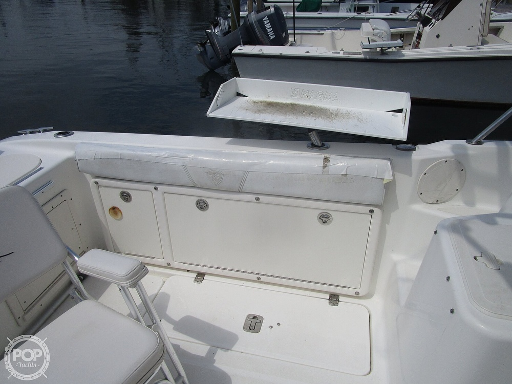 2005 Century boat for sale, model of the boat is 2600 Walkaround & Image # 27 of 40