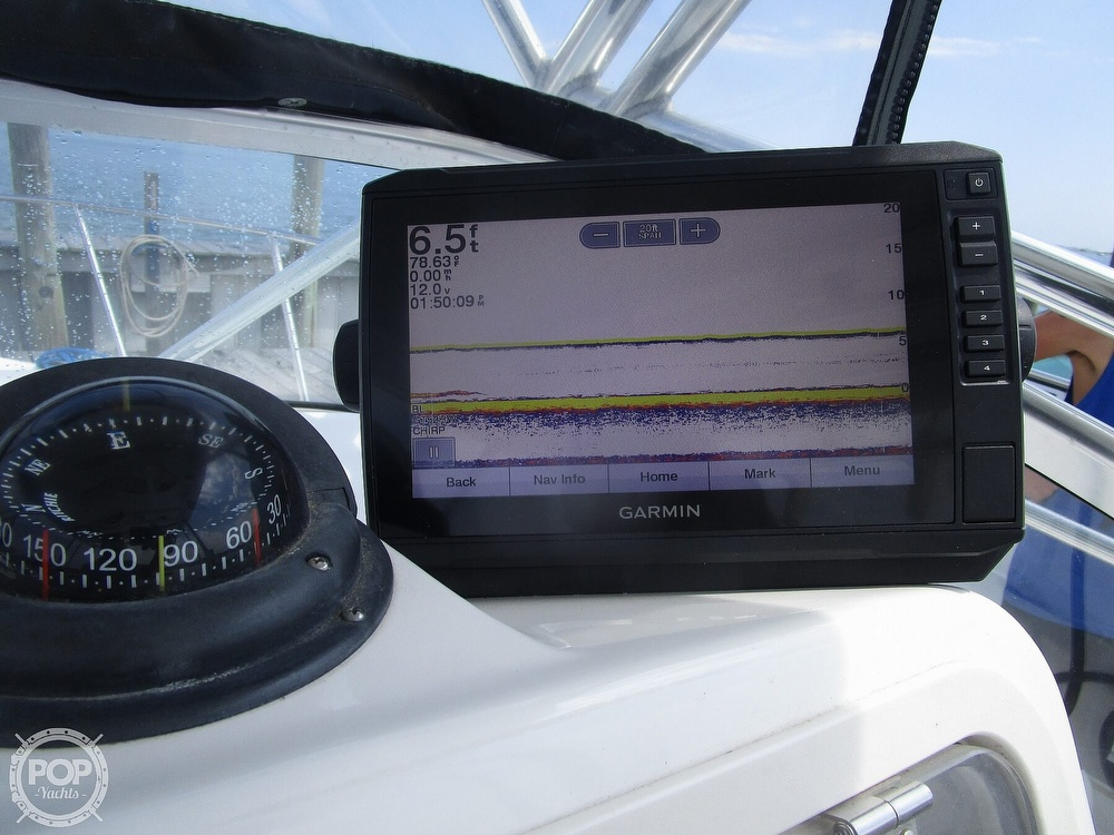 2005 Century boat for sale, model of the boat is 2600 Walkaround & Image # 33 of 40