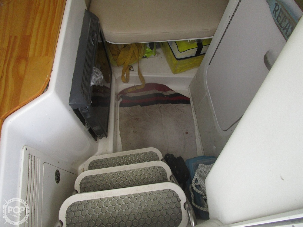 2005 Century boat for sale, model of the boat is 2600 Walkaround & Image # 37 of 40