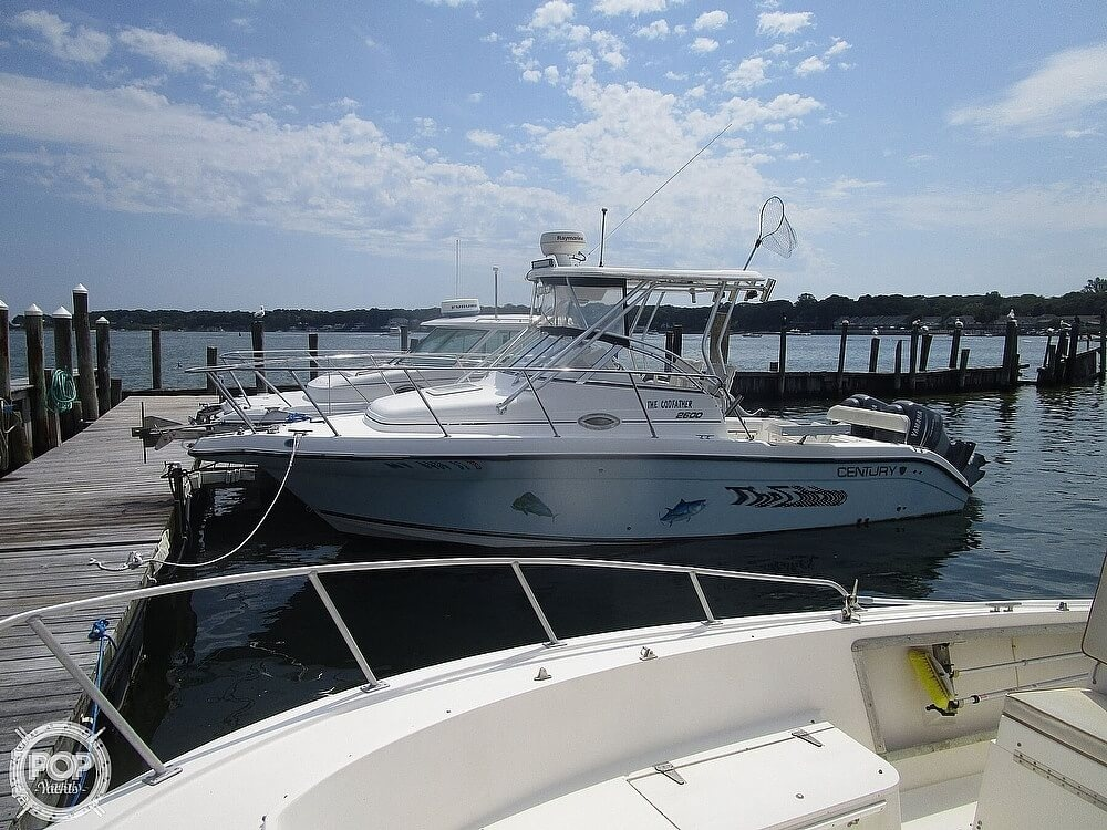2005 Century boat for sale, model of the boat is 2600 Walkaround & Image # 2 of 40