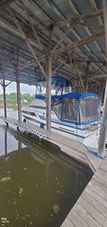 1989 Carver boat for sale, model of the boat is 2767 Santego & Image # 7 of 16