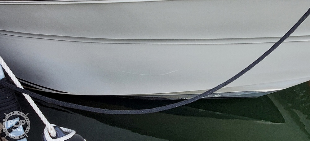 1998 Sea Ray boat for sale, model of the boat is 310 Sundancer & Image # 32 of 40