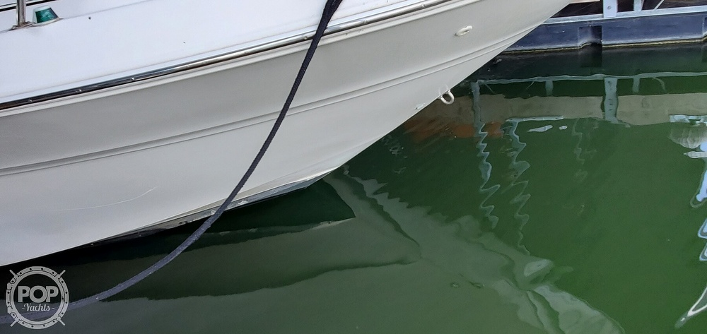 1998 Sea Ray boat for sale, model of the boat is 310 Sundancer & Image # 33 of 40