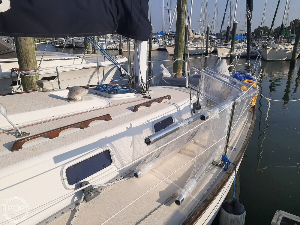 1988 Tartan Yachts boat for sale, model of the boat is 31 & Image # 9 of 40