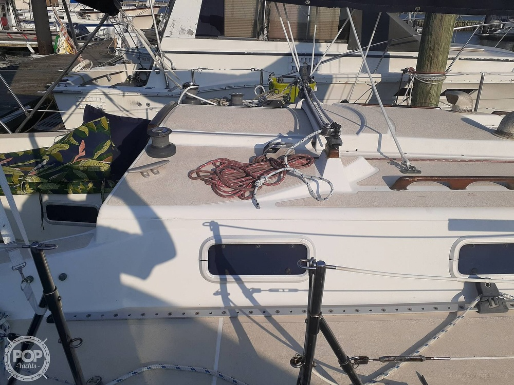 1988 Tartan Yachts boat for sale, model of the boat is 31 & Image # 11 of 40